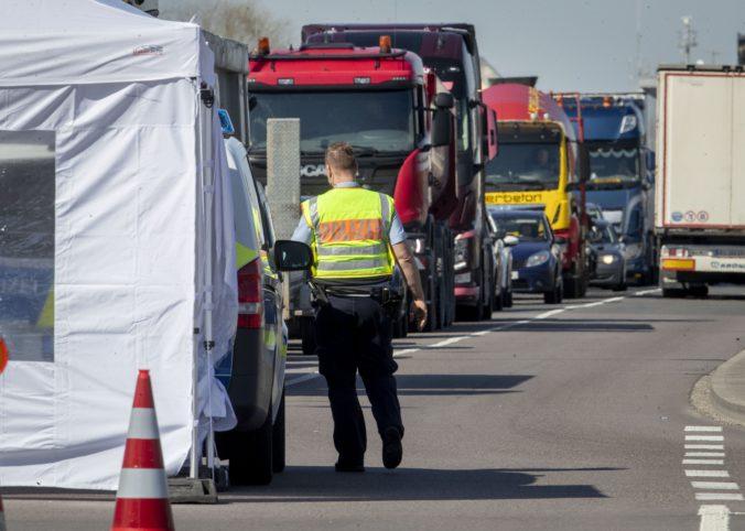 Mimoriadna správa! Slovenské hranice sú oddnes otvorené