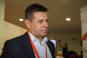 Novým predsedom bývalej vládnej strany Most-Híd sa stal exminister László Sólymos