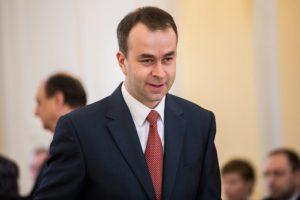 Koalícia by sa nezlomila, ak by Podmanický vstúpil do klubu Sme rodina, myslí si politológ Eštok