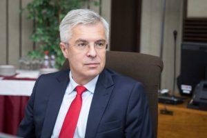 Korčokovi chýba väčšia koordinácia zo strany Únie, Kmec chce rýchlejšie otváranie ekonomiky