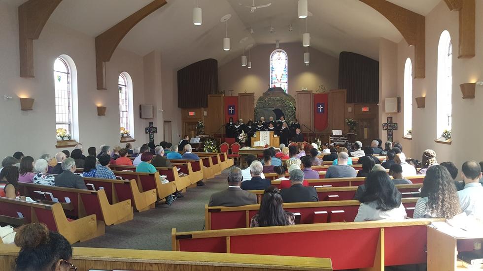 Aktualizované (nedeľa): Po návšteve baptistického kostola sa nakazilo 107 ľudí!