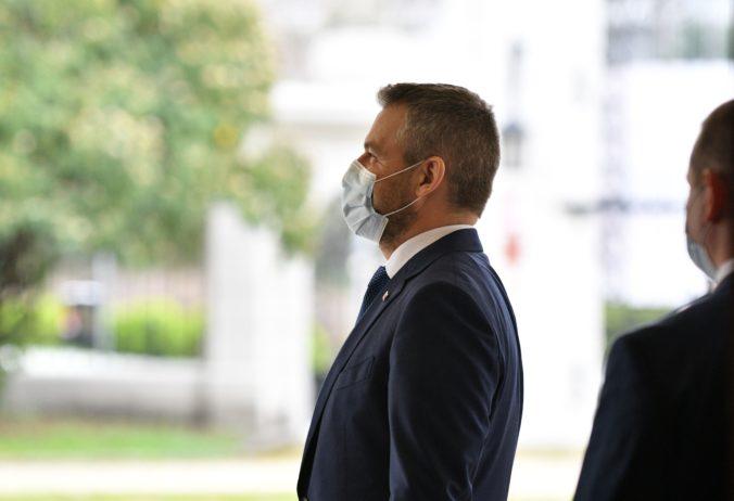Pellegrini tento mesiac rozhodne o svojej politickej budúcnosti, s Ficom má čoraz väčšie názorové rozdiely