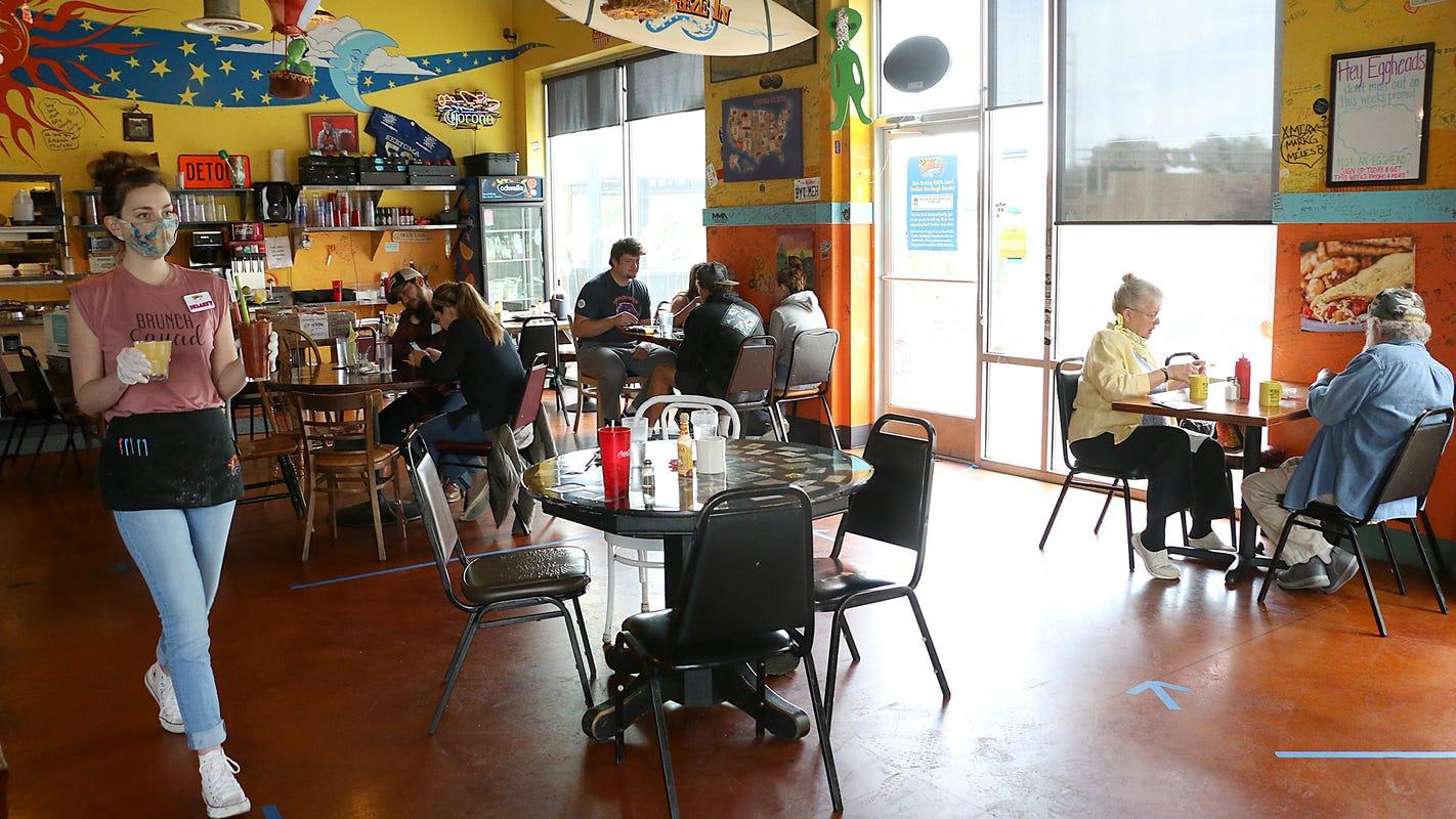 Po návšteve reštaurácie sa koronavírusom nakazilo 16 ľudí, do karantény umiestnili 114 návštevníkov