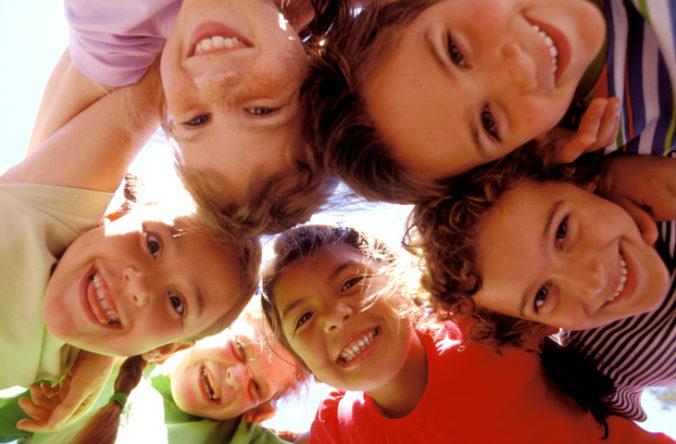Rodičia môžu dať v lete deti do táborov. Aké sú podmienky a povolený počet účastníkov?