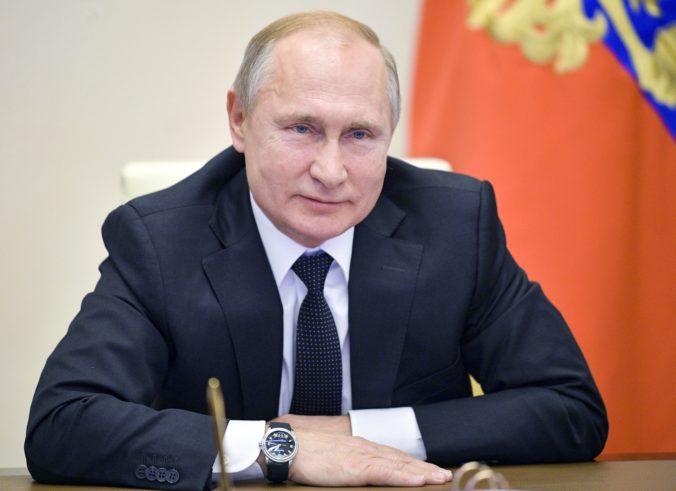 Putin oznámil dátum referenda o zmenách ústavy, pozitívny výsledok mu umožní zostať dlhšie pri moci