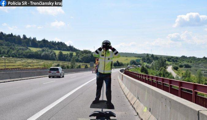 Zmizol policajt z diaľnice D1, vyšetrujú kurióznu krádež (foto)