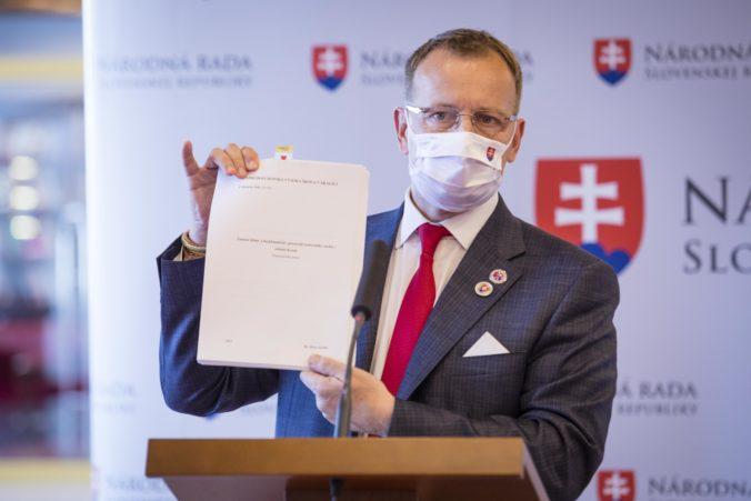 Protest za odstúpenie Kollára bude v piatok v Bratislave, dôvodom je jeho diplomová práca