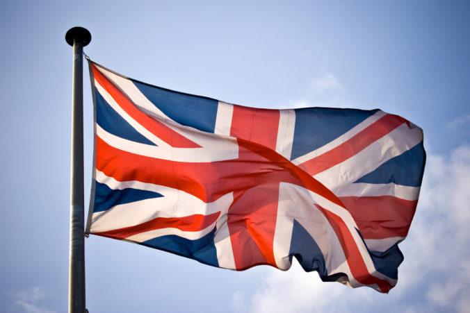 Obyvatelia niektorých krajín nemusia ísť po vstupe do Anglicka do karantény, vláda zverejnila zoznam