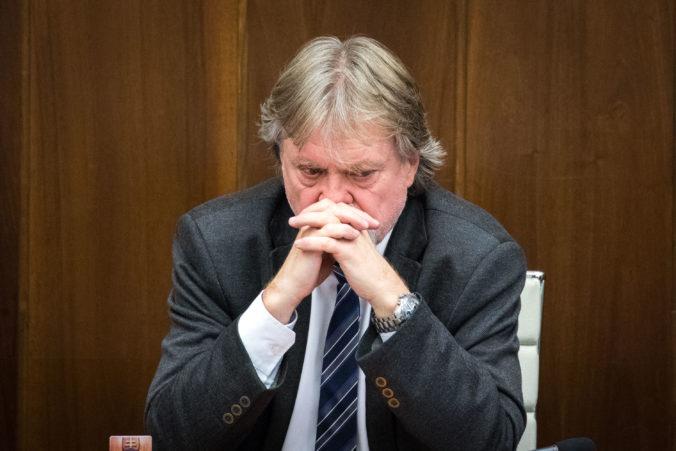 Smeráci podľa Jarjabka zvažujú aj návrh na odvolanie Kollára pre kauzu diplomovka