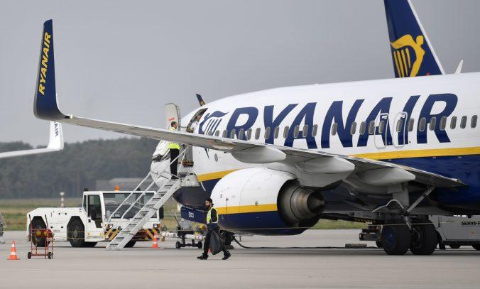 Lietadlo spoločnosti Ryanair smerujúce do Dublinu muselo núdzovo pristáť