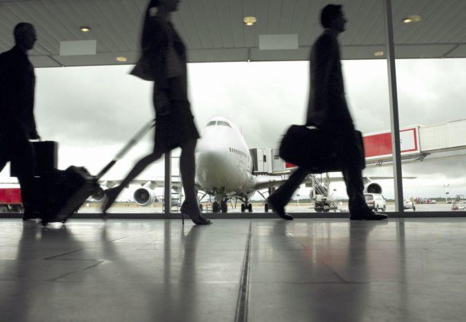 Rusko uvoľňuje opatrenia, cestujúci po príchode do krajiny už nemusia ísť do povinnej karantény