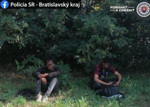 Hranice Slovenska nelegálne prekročilo 12 cudzincov, úradné vyhostenie neobišlo žiadneho z nich