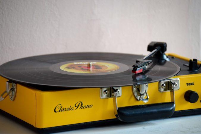 Gramofón – prečo z neho púšťať hudbu?