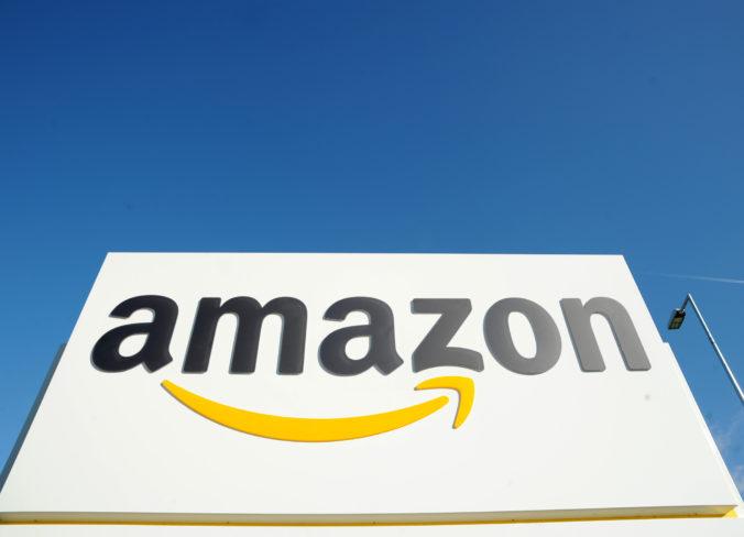 Má Amazon slabé kontrolné systémy? Spoločnosť mala v ponuke topánky s rasistickým popisom