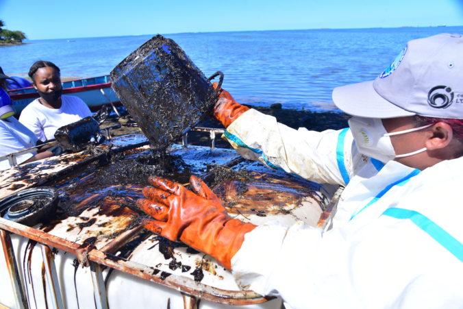 Za znečistenie vôd Maurícia musí niesť niekto zodpovednosť, premiér žiada finančné odškodnenie
