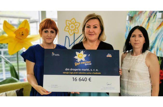 Aj v dm rozkvitli žlté narcisy. Z dm putuje na podporu onkologických pacientov 42-tisíc eur