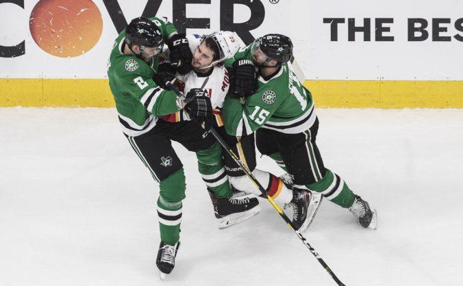 Chára chytil Svečnikova pod krk, Dallas aj Columbus vyrovnali série úvodného kola play-off NHL (video)