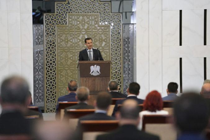 Prezident Baššár al-Asad musel prerušiť príhovor v parlamente, mal zdravotné ťažkosti
