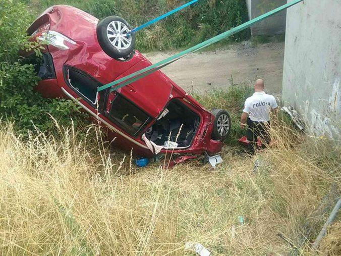 Návrat Slovákov z dovolenky poznačila hrozivo vyzerajúca nehoda, jedno z detí utrpelo vážne poranenia