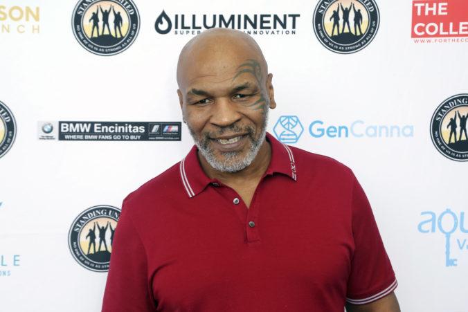 Tysonov veľkolepý návrat do ringu posunuli. Svojmu protivníkovi adresoval drsné slová