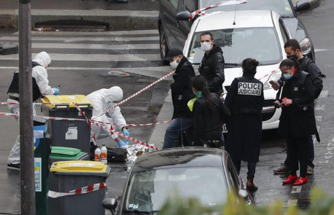 Francúzsky minister vnútra nazval útok neďaleko bývalej redakcie Charlie Hebdo aktom islamistického terorizmu