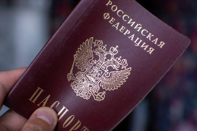 Rusko reaguje na údajné nepriateľské korky Európskej únie zoznamom osôb so zákazom vstupu na jeho územie