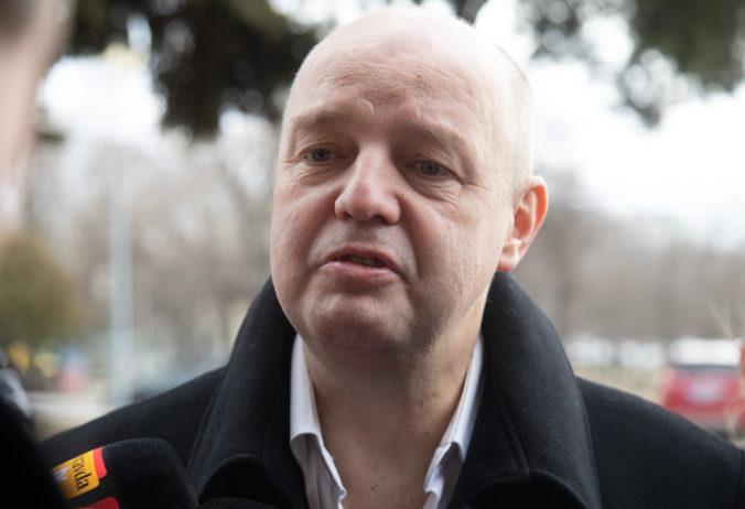 Súd v kauze prípravy vraždy Volzovej: Pojednávanie bolo bez Ruska, ale vypovedal Kočner