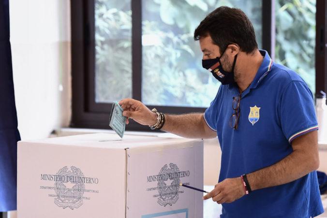 Taliani zredukujú parlament, ľudia v referende podporili zrušenie viac ako 200 kresiel
