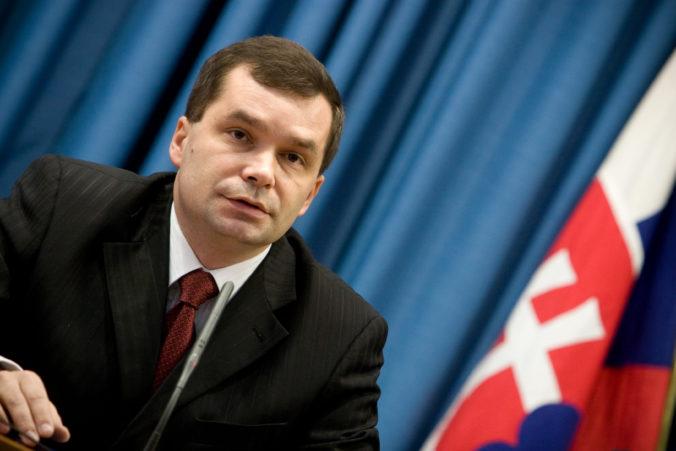 Exminister obrany za Smer už nie je veľvyslancom pre nórske granty, Kašického post zrušili