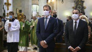 Horúca správa! Premiér Matovič chce zrušiť cirkevné podujatia, v kostoloch platia mimoriadne opatrenia