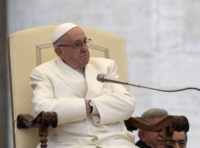"""Vatikán odmieta eutanázie či asistované samovraždy, považuje ich za """"akt zabitia"""""""