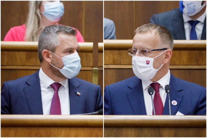 Kollár požiadal Pellegriniho, aby z postu podpredsedu parlamentu odstúpil neskôr