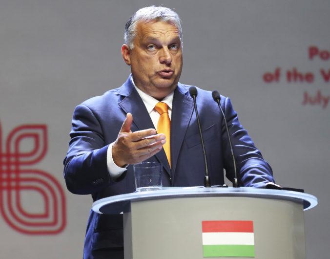 Orbán nezniesol kritiku svojej vlády, eurokomisárku Jourovú vyzval na rezignáciu