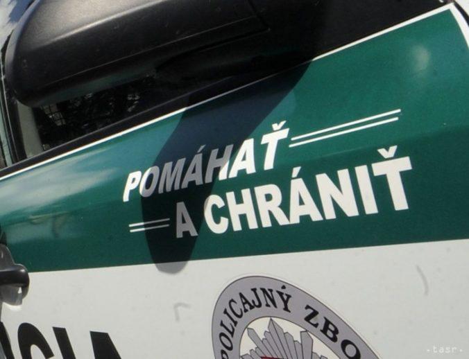 Polícia Slovákom: Zosnulých si uctite doma, na cintorínoch až štvorciferné pokuty!