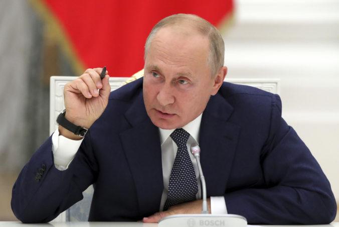 Putin vyzval USA na uzavretie globálneho paktu a vzájomné nezasahovanie do volieb