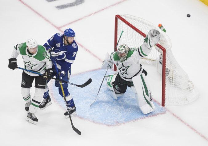 Dallas vyhral prvý zápas finále NHL, Sekera s plusovým bodom a Černák s mínusovým (video+foto)
