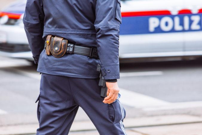 Rakúska polícia kontrolovala dodržiavanie opatrení v gastroprevádzkach, prešla ich vyše deväťtisíc