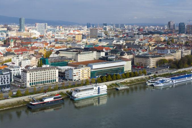Deväť z desiatich Európanov bolo minulý rok spokojných so životom vo svojom meste