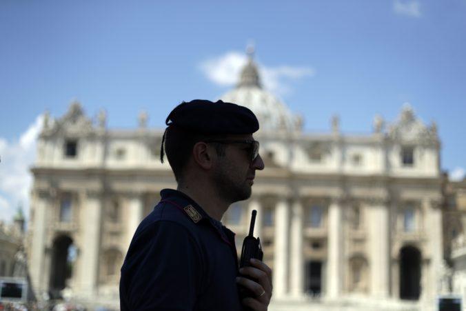 Prítomnosť koronavírusu potvrdili u osoby z pápežovej rezidencie, nachádza sa v karanténe