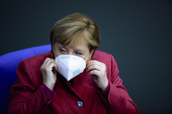 Angela Merkelová očakáva ťažkú zimu, opozičný politik obvinil vládu z vojnovej propagandy