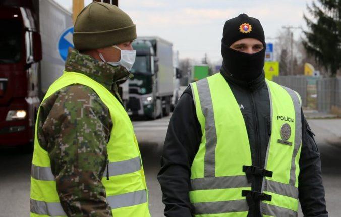 Británia pomôže Slovensku v boji proti COVID-19, na germicídne žiariče prispeje finančným grantom