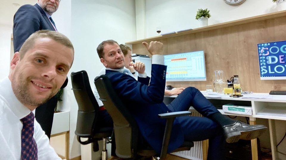Dôležitá správa! Slovensko schvaľuje očkovacie preukazy pre pohyb ľudí, mal by obsahovať účasť na testovaniach