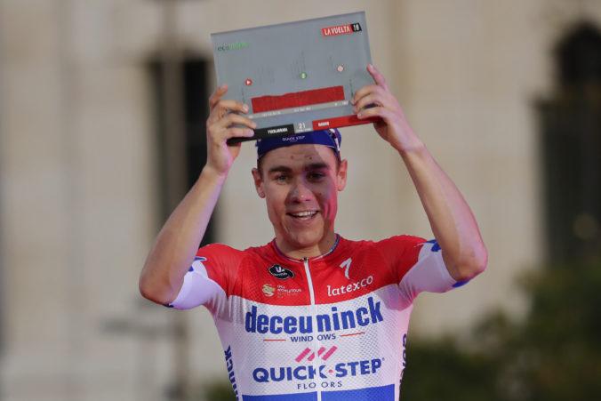 Holandský cyklista Jakobsen po hororovom páde, umelom spánku a operáciách opäť vysadol na bicykel