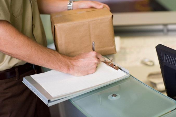 Polícia varuje pred podvodníkmi, dajte si pozor na platby za falošné doručovacie služby