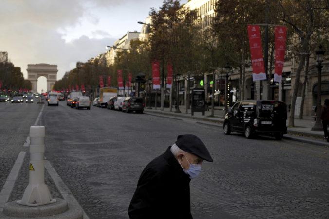 Rúška budú vo Francúzsku povinné aj po vakcinácii, vláda oznámila zmiernenie lockdownu