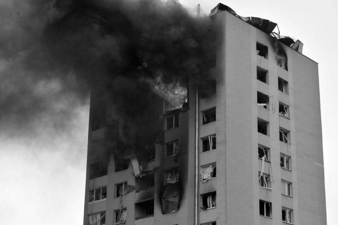 Ministerstvo obrany ocenilo vojakov, ktorí pomáhali po výbuchu bytovky v Prešove