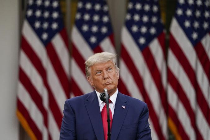 Donald Trump bude ako prvý prezident USA čeliť impeachmentu po ukončení funkcie