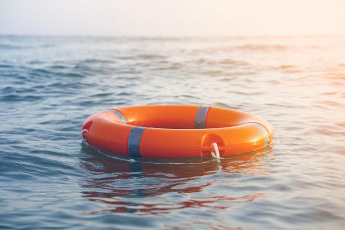 Pri tureckom pobreží sa potopila nákladná loď, zahynulo niekoľko členov posádky
