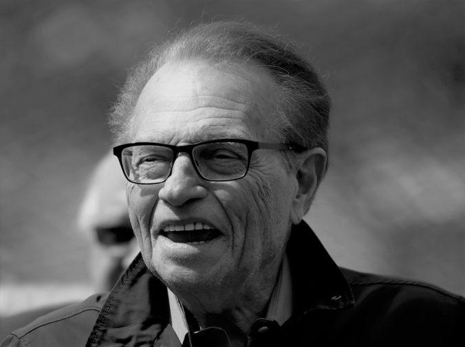 Zomrel legendárny americký moderátor, Larry King sa dožil 87 rokov