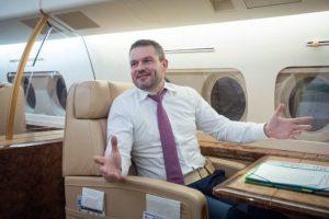 Pellegrini ako premiér za vlády Smeru-SD letel za štátne peniaze do Nemecka na operetu